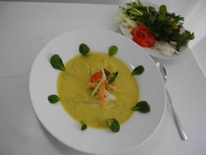 Rohkost Gemüsesuppe